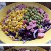 Витаминный салат из синей капусты