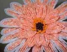 Как сплести цветы из бисера для начинающих