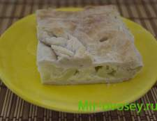 Слоеный пирог с цветной капустой и яйцом